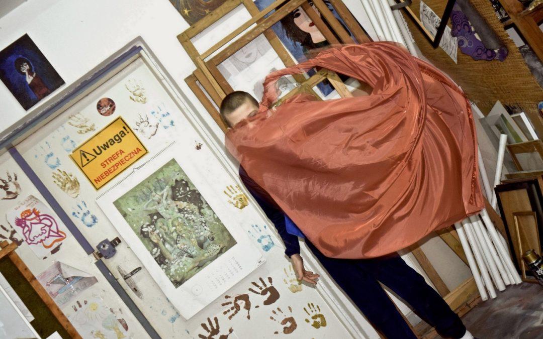 Edukacja przez sztukę: artysta w szkole