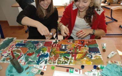 Autorska Interdyscyplinarna Metoda Edukacji przez Sztukę jako odpowiedź na nowe trendy w pedagogice europejskiej i problemy na polu polskiej edukacji kulturalnej